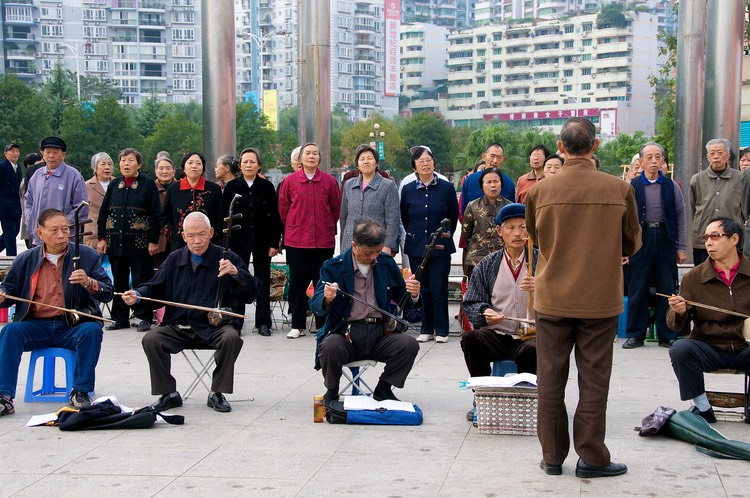 Fengdu - retired musicians perform